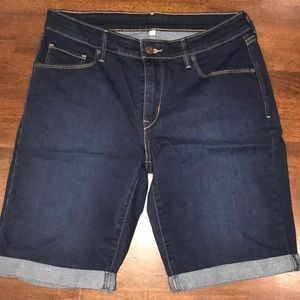 Levi's denim shorts size 30